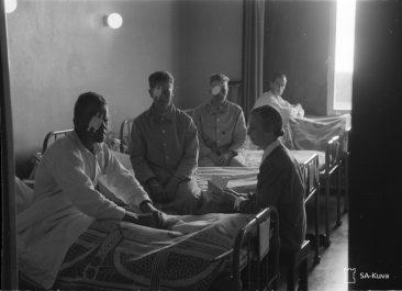 Silmä poistettu haavoittuneelta sotilaalta. SA-kuva